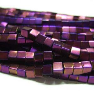 Hämatit Perlen Strang Würfel 3 mm violett glänzend 15753