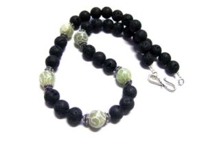 Lavakette mit Bali Beads